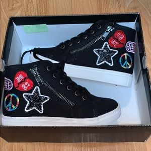 Girls black sneakers